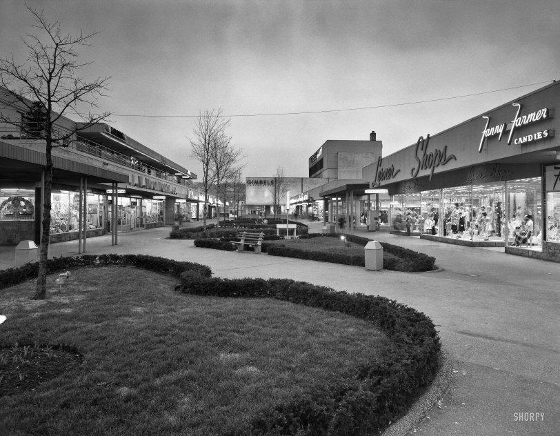 Antique Mall: 1959