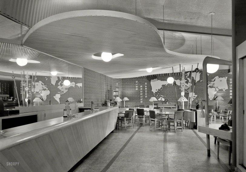 U.S.O. Canteen: 1943