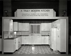 Modern Kitchen: 1940