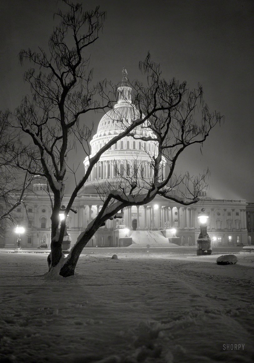 Snow Globe: 1935