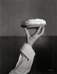 Pie Hold: 1933