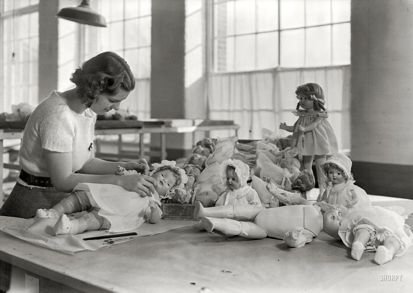 The Doll Dresser: 1936