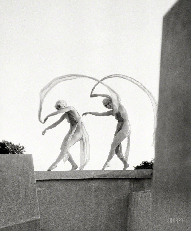 Performing Artsy: 1920