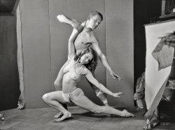 Dos Bailarines: 1929