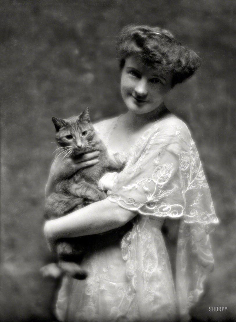 Cat-Woman: 1914