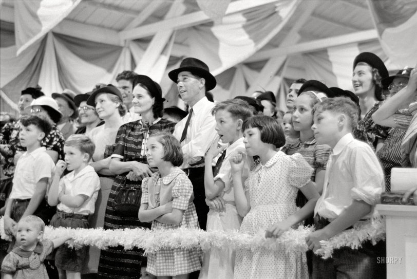 Magic Show: 1938