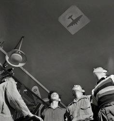 Planespotting: 1942