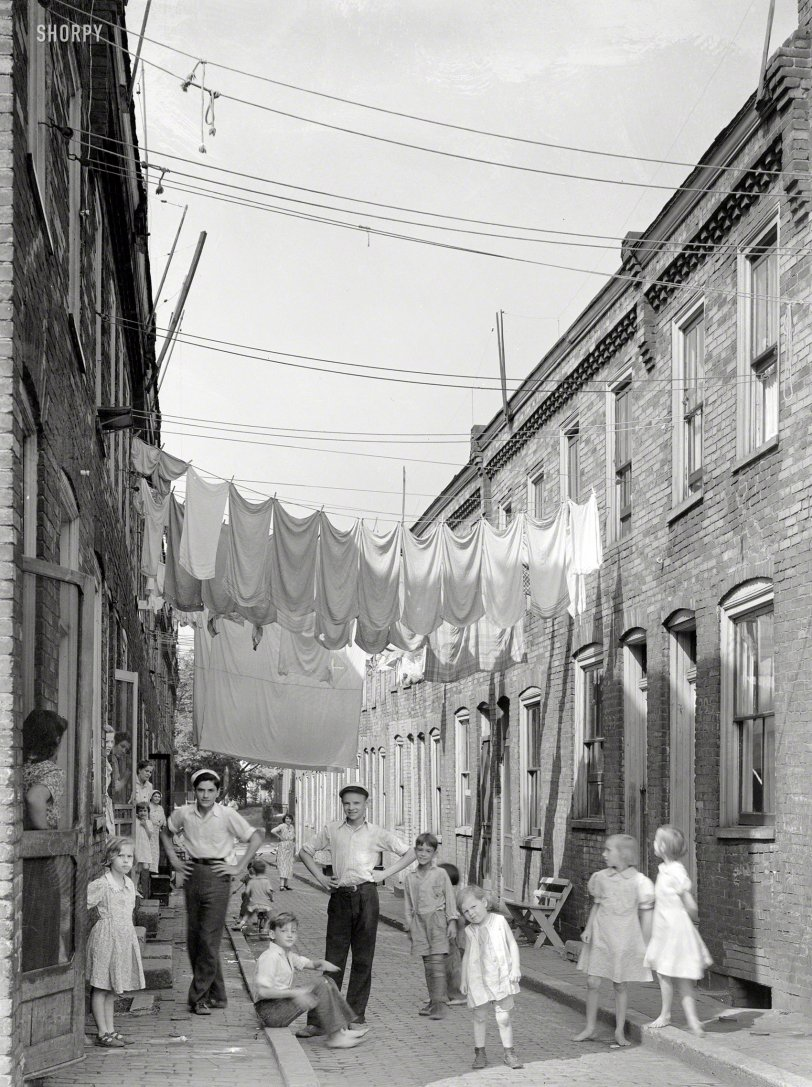Neighborhood Wash: 1938