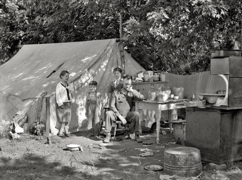 Modern Family: 1936