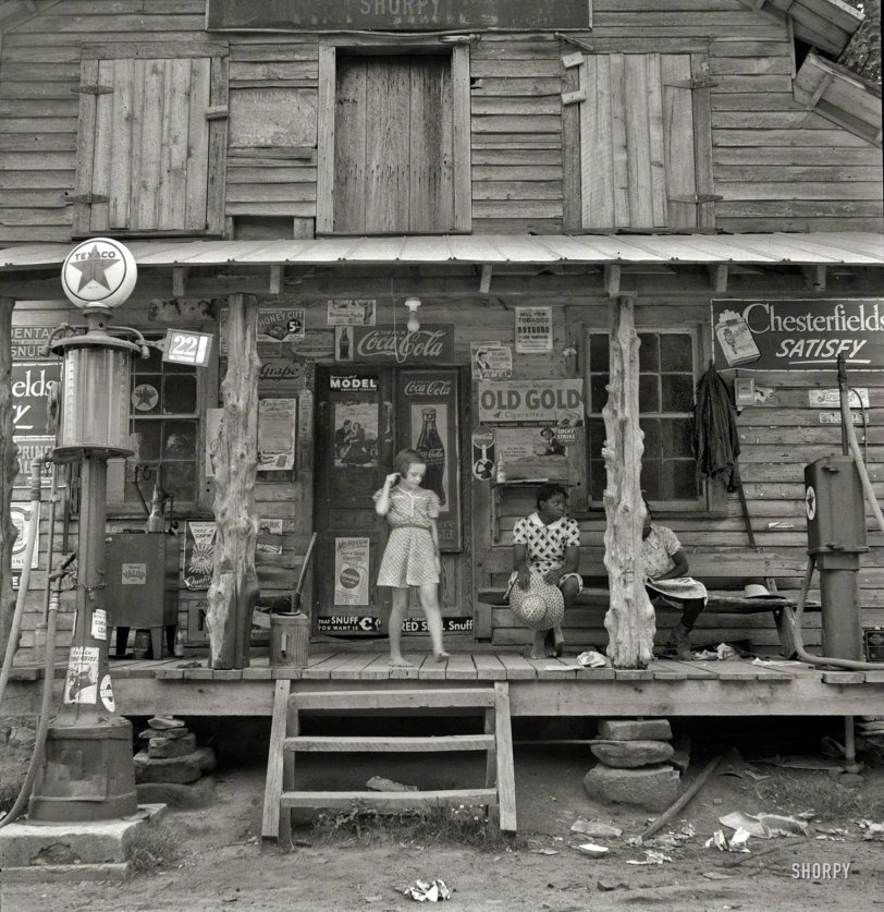 Country Store: 1939