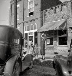 Electric Shoe Shop: 1939