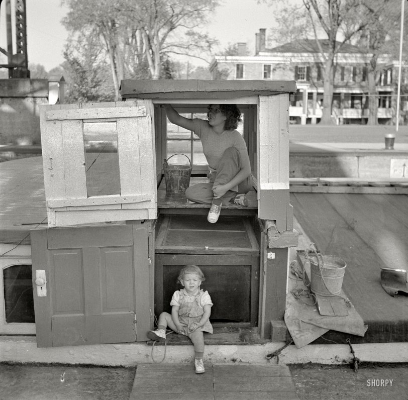 Barge Wife: 1941