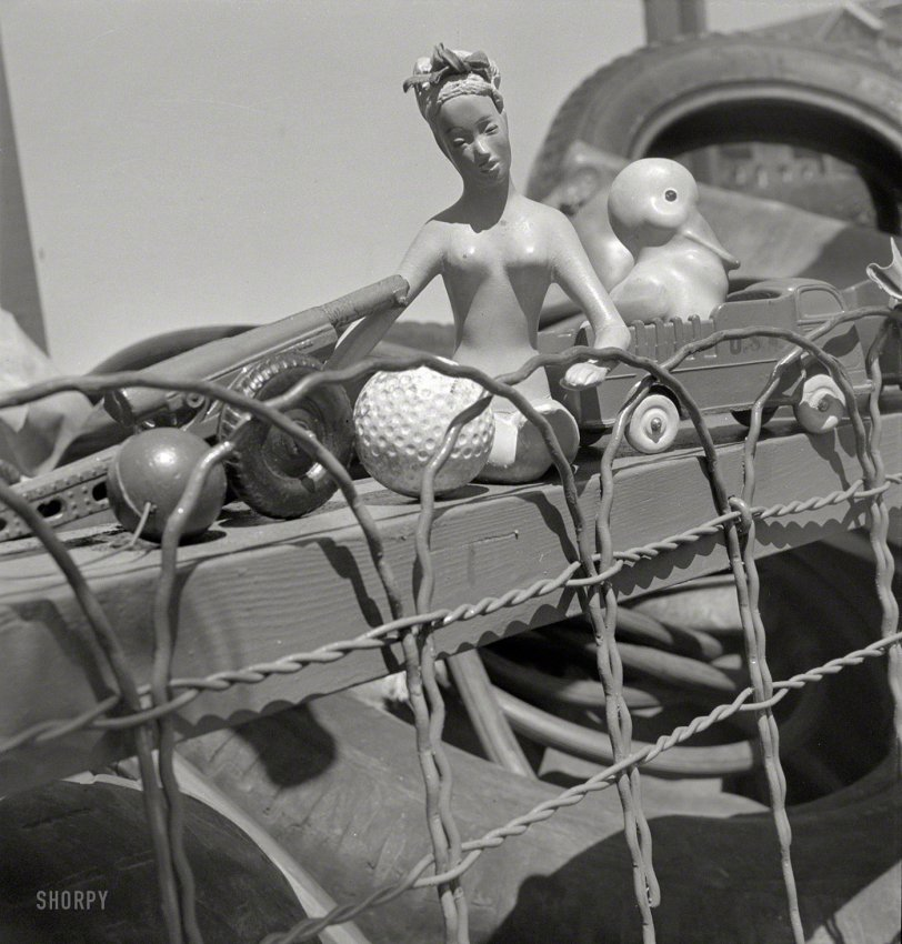 The Dolls of War: 1942