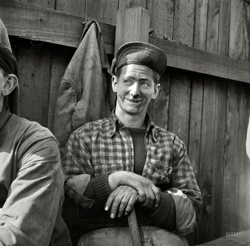 Oswego Stevedore: 1941