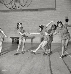 Danse Moderne: 1942