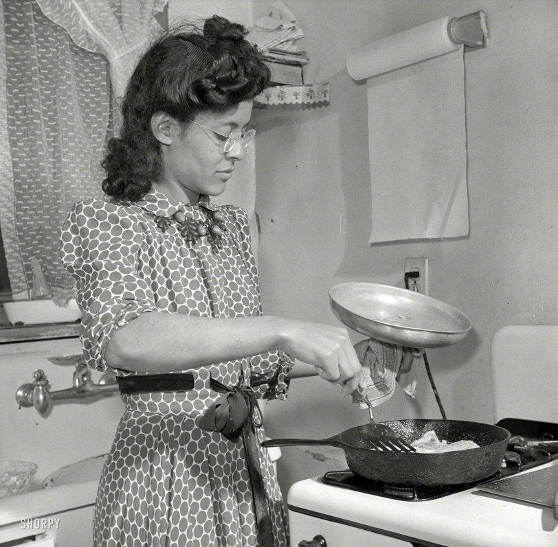 Skillet Dinner: 1942