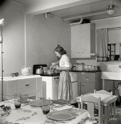 Dream Kitchen: 1942