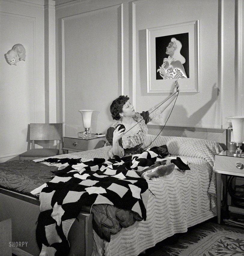 Deluxe Apartment: 1942