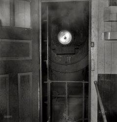 Knock Knock: 1943