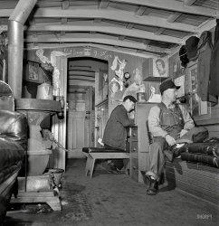 Man-Cave Caboose: 1943