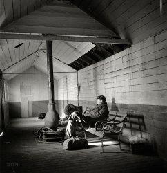 Cozy Depot: 1943
