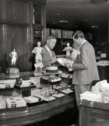 Shorts Seller: 1941