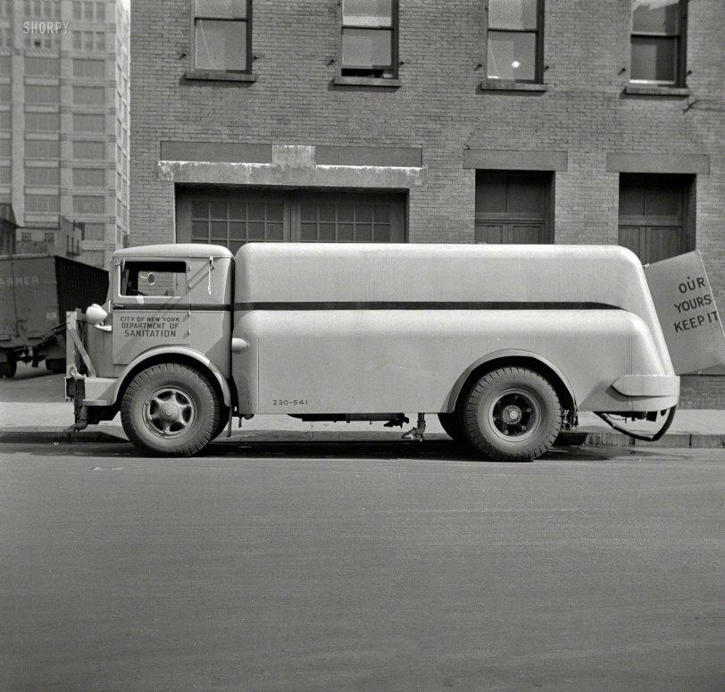 Flushing New York: 1943