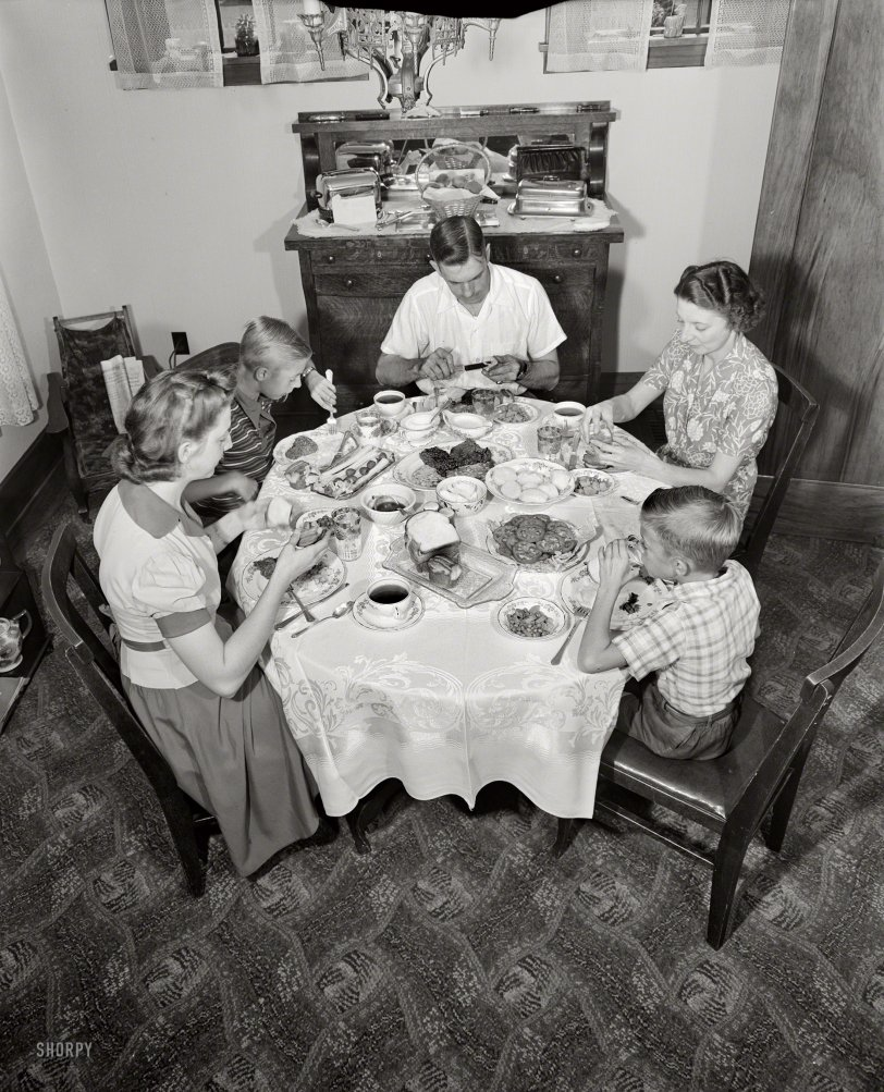 Family Style: 1943