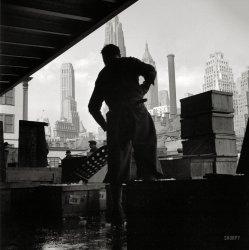 Seafood City: 1943