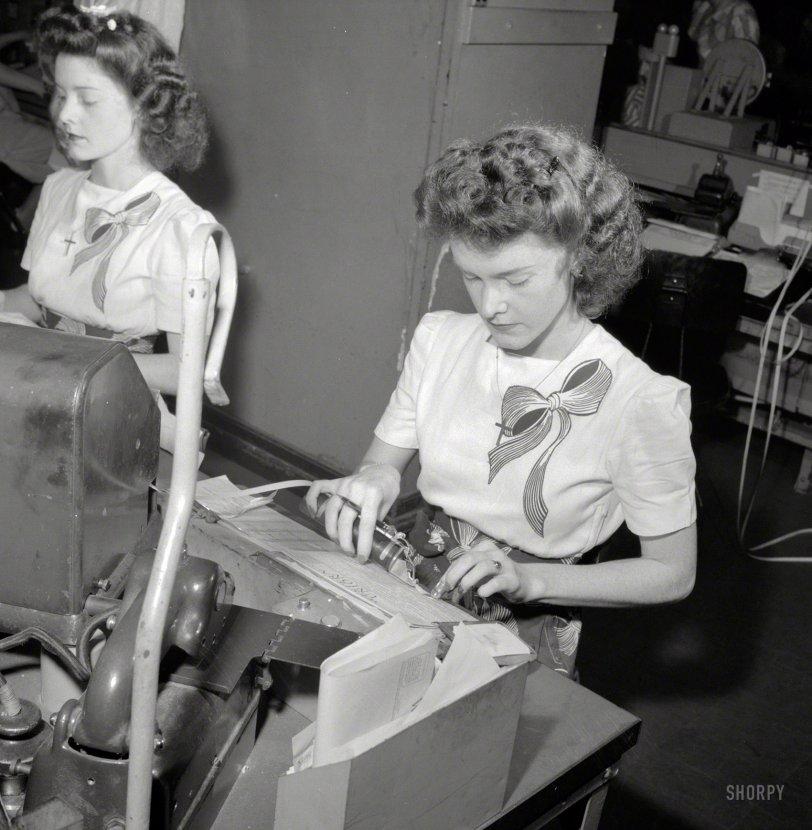 Doris and Dot: 1943
