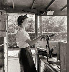 Dairy Motor Maid: 1943