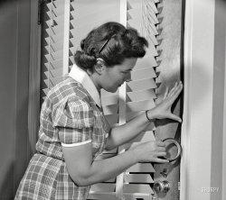 Darken My Door: 1943