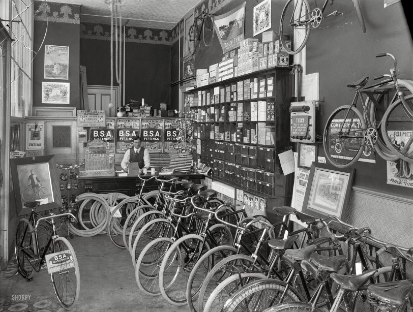 Tyres & Fittings: 1910