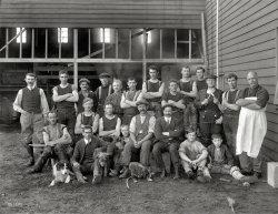 Looking Sharp: 1914