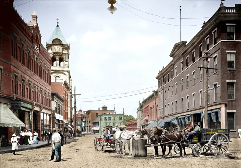 Filling Station (Colorized): 1907