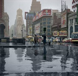 Times Square (Colorized): 1943