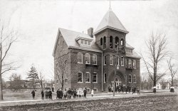 Tremont Public School: 1910