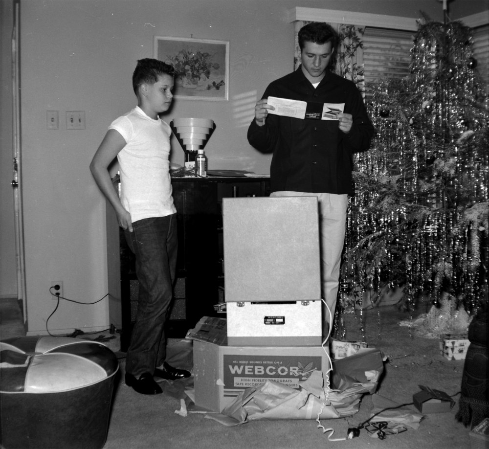 Shorpy Historic Picture Archive :: Christmas: 1956 high ...