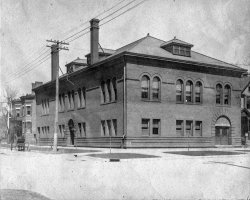 Peoria Women's Club: 1900