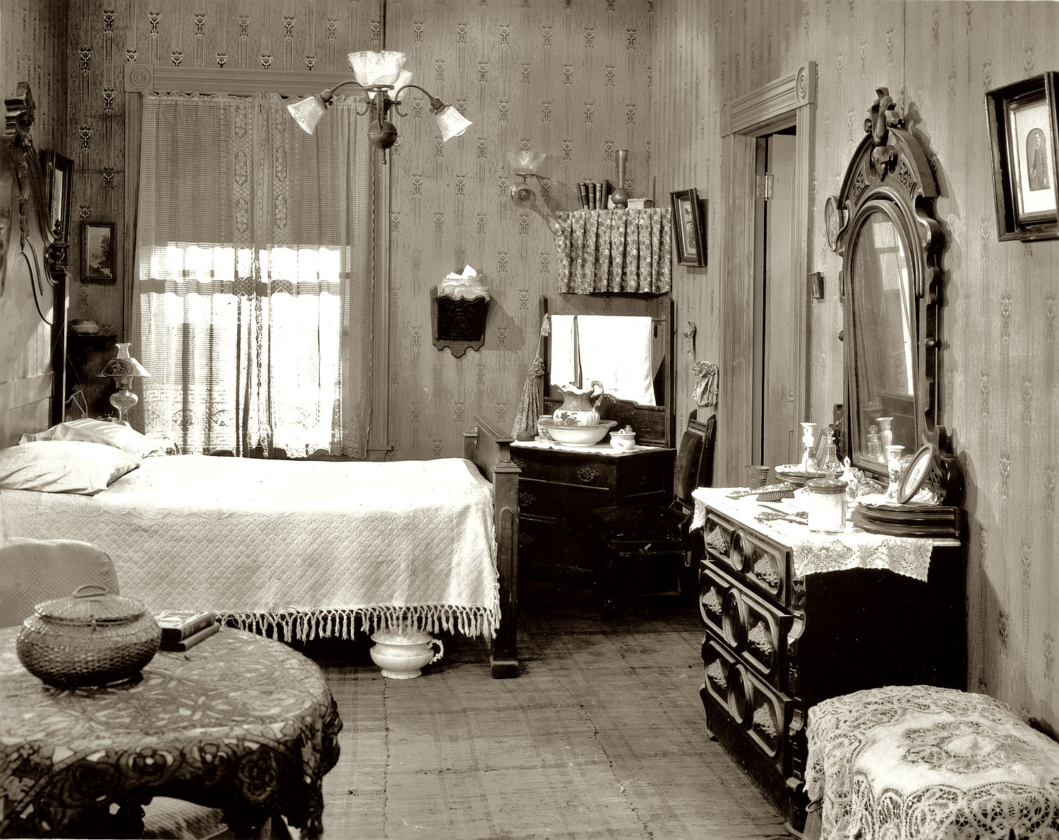 Shorpy Historic Picture Archive Bedroom 1920s High