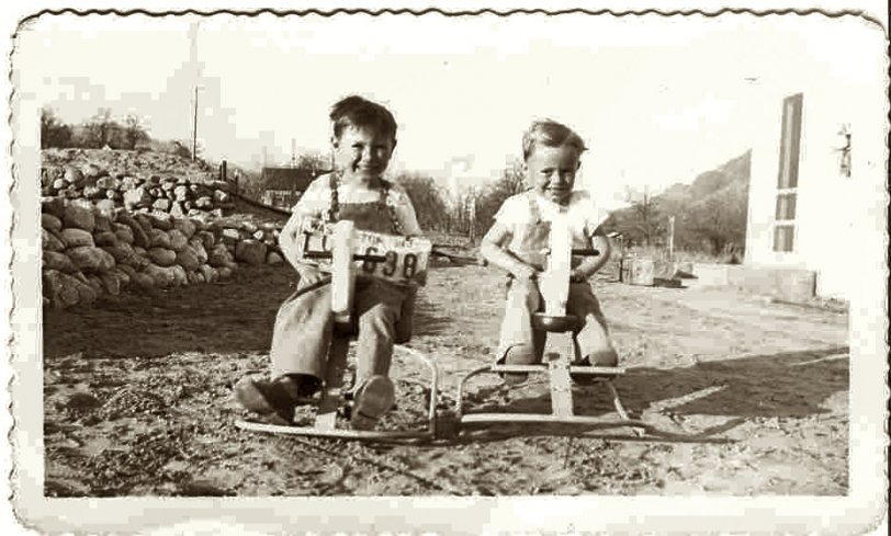 Two brothers, 1946