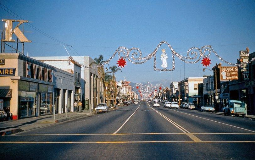 Christmas Street: 1956