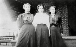 Shop Girls: 1910