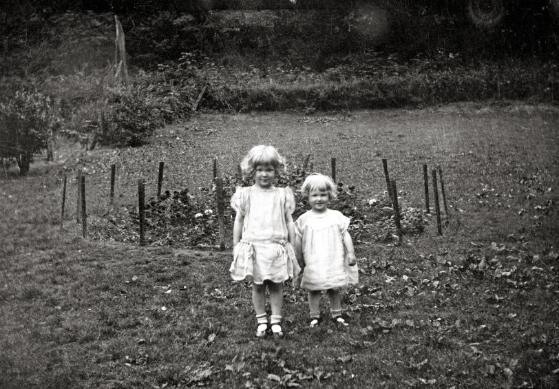 Garden Girls: 1924