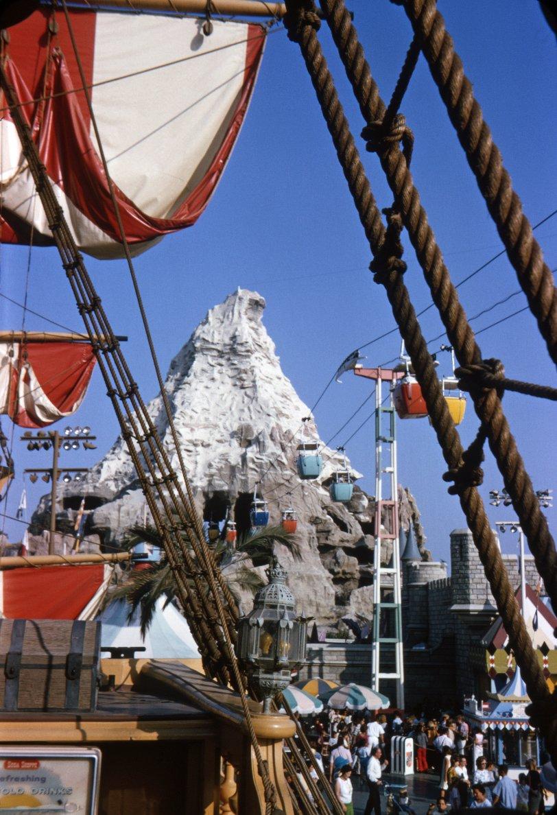 Bygone Disneyland: 1965