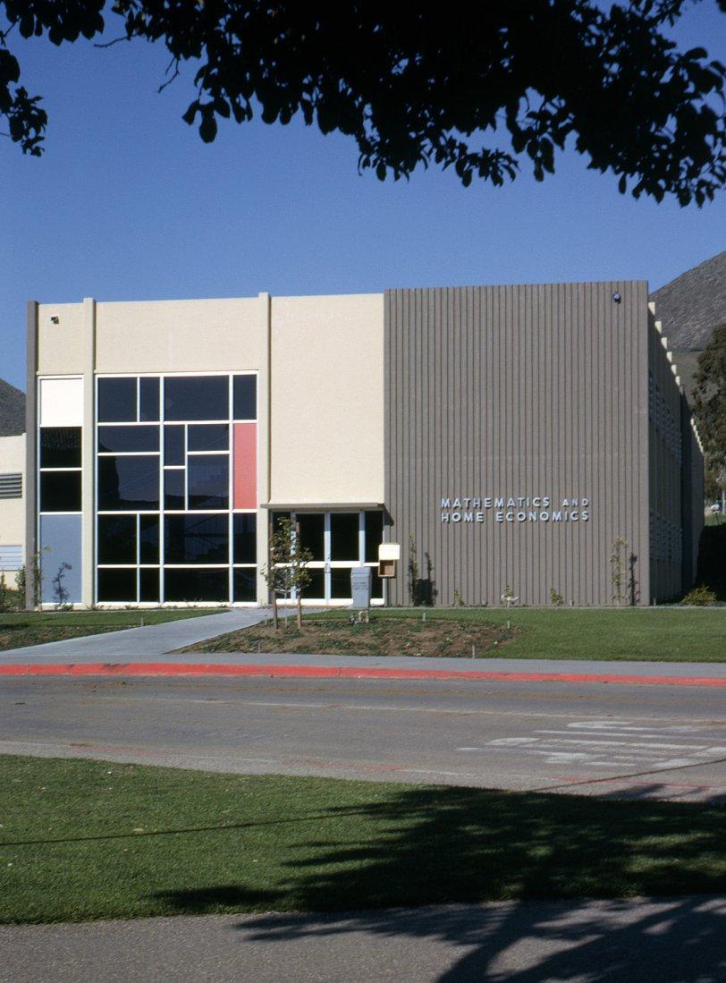 College Modern: 1961