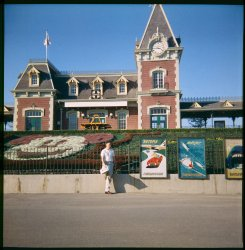 Disneyland Honeymoon: 1958