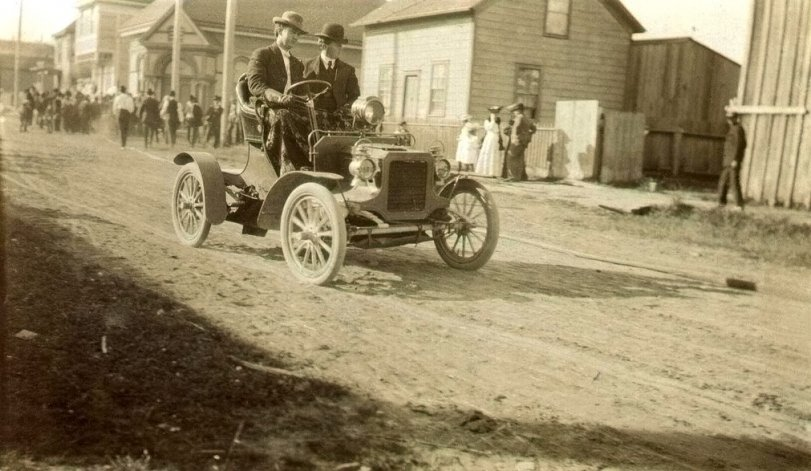First Car in Crescent City: 1905