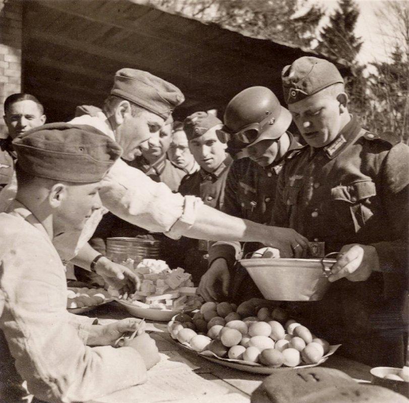 Chow line: WWII