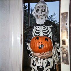 Trick-or-Treat: 1957